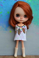 Handpainted outfits. Tje first time i tried to make my own patern witj fabric paint.what do you think of it? #artoys #artdolls #pullipdoll #liccadoll #ooakblythe #toyphotography  #toystagram