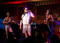 IMG_2516 (Cherie B. Tay) Tags: nyc concert ukulele 54below theskivvies