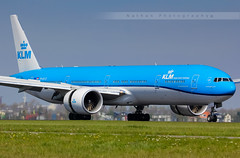 AMS - Boeing 777-306ER (PH-BVO) KLM (Aro'Passion) Tags: park new amsterdam canon photography airport photos landing national boeing reverse klm schiphol 777 ams named livery eham atterrissage b777 kaziranga roulage natw 60d 777306er aropassion b777306er phbvo