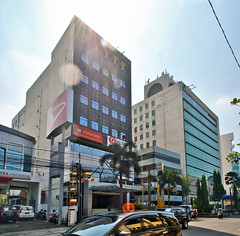 Asia Afrika midrise (BxHxTxCx) Tags: building office bandung kantor gedung
