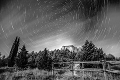 Circumpolar en B&N (DRGfoto) Tags: lightpainting estrella castillo circumpolar