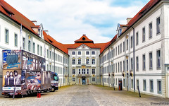 Schloss Hirschberg (novofotoo) Tags: germany bayern deutschland bavaria oberbayern innenhof haus digitalimaging schlosshirschberg beilngries