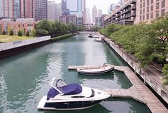 0433 Lake Shore Drive (TWITA2005) Tags: chicago illinois unitedstates boat lakeshoredrive