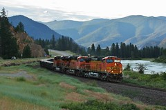 Dawn Manifest - Plains, MT (MinnKota Railfan) Tags: santa railroad blue mountain snow mountains electric burlington train river crazy montana general engine peak rail railway loco fork glacier clark link locomotive fe peaks division northern ge bnsf mrl raillink emd electromotive
