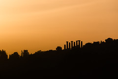 Ercole al tramonto (vic_gia) Tags: sunset italy ancient italia tramonto sicily sicilia agrigento ruines linee