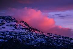 Primeras luces (Claudio ) Tags: cloud amanecer nubes volcn volcanoe nuevodia