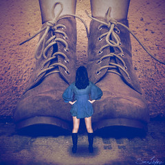 267/365 (Sariixa) Tags: me yo myself selfportrait selfie autorretrato autoretrato autoportrait portrait retrato boots botas zapatos shoes giant gigante little pequeo human humano brave valiente 365 sarixa photoshop photomanipulation photography photoart photo artphoto arte artist blue yellow azul amarillo fight pelear fotomanipulacin fotomontaje fotomanipulacion