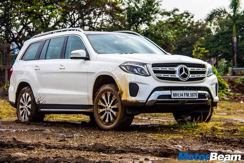 2016-Mercedes-GLS-12