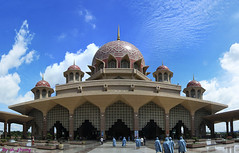 Putrajaya Mosque # 2, Malaysia (ak_phuong) Tags: world pictures life park city trip pink sky panorama building green art nature colors beautiful last wonderful river landscape for book fantastic model day vietnamese photographer view place shot angle good 5 top muslim traditional praying great wide picture first pic super visit mosque front best sharp tokina made phuong most human cover malaysia excellent times about putrajaya capture must today administration ever per cheap minh 1224mm tran malay intelligent administrative eos50d centralcenter akphuong