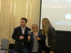 Brunello seminary Igor Serdiuik, Donatella e l'interprete Maria (Donatella Cinelli Colombini) Tags: wine russia tasting toscana mosca brunello vino sanpietroburgo degustazione brunellodimontalcino donatellacinellicolombini violantegardini