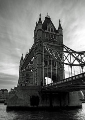 Tower bridge NE portrait (bc@imageview) Tags: towerbridge