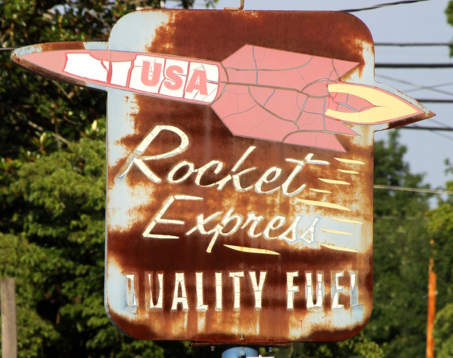 Rocket Express Quality Fuel sign - Celina, TN