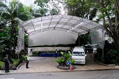Img364202nx2__conv (veryamateurish) Tags: usa car singapore unitedstates police vip vehicle limousine secretservice motorcade vicepresident dignitary shangrilahotel josephbiden singaporepolice andersonroad valleywing