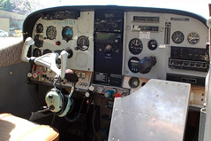 VH-DQF Cessna 182K Skylane Skyaction (Robert Frola Aviation Photographer) Tags: nikond70 2006 cessna cessna182 cockpits skyaction ykbn vhdqf