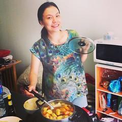 วันนี้ทำกับข้าวกินกัน แม่บ้านใหญ่พรีเซ็นต์สามีสุดฤทธิ์ #TheFamilyGuys #thailand #bangkok #couplelife #mywife #cooking