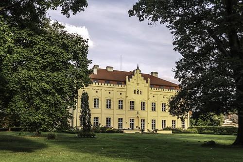 Schloss & Park Nennhausen