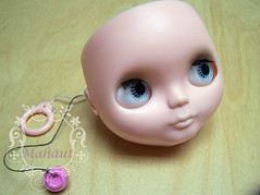 Mahaut, new mouth, shine gone. (FELTOOHLALA) Tags: mouth doll carving lips blythe clone