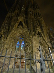 Sagrada Familia night time ... (vaskovip) Tags: barcelona pope church beautiful familia modern digital photography amazing spain flickr barca 10 basilica sony awesome cybershot tourist gaudi sagradafamilia capture antonio sagrada hx catolic flickrawards