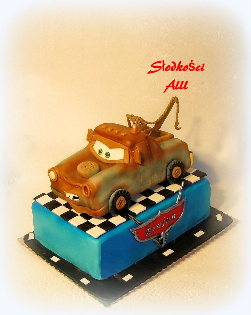 how to make a tow mater cake