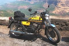 . (Yazed RD350 Lord) Tags: fun ride roadtrip yamaha rides mumbai ghat mahableshwar rd350 bhor