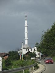 Mosque with tall minaret, outskirts of Novi Pazar, Serbia (Paul McClure DC) Tags: architecture minaret serbia mosque historic balkans novipazar raka sandak may2016