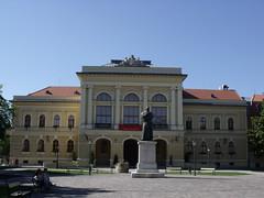 County Hall, Szentes, Hungary (The Broccoli) Tags: sculpture statue hungary ungarn szentes hungria szobor ungheria magyarorszg hungra hongarije hongrie