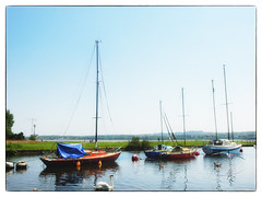 Soft Light (foggyray90) Tags: crane bridgebuilding buoys widnes spikeisland gooselanding merseycrossing