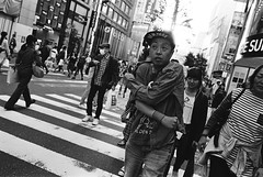 Shinjuku, Tokyo (fabiolug) Tags: street leica light people blackandwhite bw man film hat japan japanese tokyo blackwhite shinjuku asia kodak 28mm trix wide streetphotography rangefinder wideangle cap kodaktrix mp trix400 filmphotography kodaktrix400 elmarit leicamp elmarit28mm leicaelmarit28mmf28asph elmarit28mmf28asph leicaelmarit leicaelmarit28mm believeinfilm