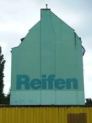 [das mu noch] Reifen (mkorsakov) Tags: building yellow wall wand wheels mint gelb typo hafen gebude dortmund nordstadt reifen