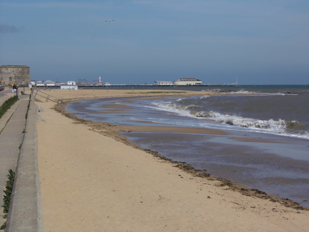 clacton beach located in essex is a fantastic day out. Black Bedroom Furniture Sets. Home Design Ideas