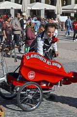 """El Alquimista del Sonido"", clown, Plaza Mayor, Madrid, (David McSpadden) Tags: madrid del clown el plazamayor alquimista sonido"
