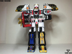 IMG69_1292 (ThanhQuan_95) Tags: dragon tiger legendary warrior mode legacy thunder mega bandai megazord zord tigerzord