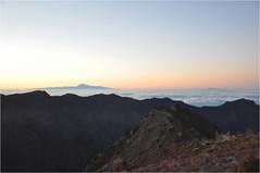 Sunrise at the Roque de Los Muchachos | 5 (elena_n) Tags: travel light mountains sunrise lapalma
