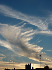 Great wispy clouds, near sunset (Monceau) Tags: sunset sky clouds wispy odc withinthemoment 171366