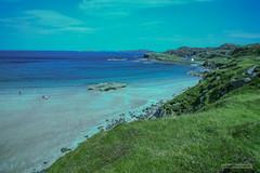 2497jpg (Scotland by NJC.) Tags: scotland alba caledonia  esccia  kotska skotsko skotland schotland skotlanti cosse schottland  scozia   skottland szkocja scoia   iskoya  remote distant isolated inaccessible farflung secluded outoftheway faraway outlying wild unspoiled natural  remoto  udaljen odlehl fjern ver kaukainen lointain entfernt     beach seaside coast shore coastline shoreline sand shingle pebbles  praia  plaa pl strand playa hiekkaranta plage spiaggia