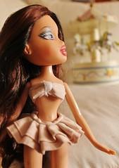 Phoebe (BratzPVI) Tags: pink people cute twins dolls handmade inspired indoor clothes phoebe kawaii bonita  sailor groupshot rosita bratz muecas bonitas    roxxi twiinz