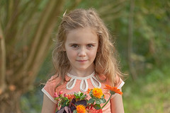 I like Flowers (will_maes) Tags: flowers girl fashion eyes nikkor80200 d700