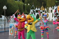 Soundsational-Jose and Panchito (thelesliebelle) Tags: disneyland jose disney entertainment panchito threecaballeros soundsational mickeyssoundsationalparade donaldsfiestafantastico
