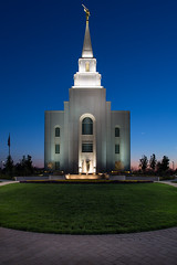 Kansas City Missouri LDS Temple - Dusk (Denzil Burriss) Tags: longexposure color night canon landscape temple kansascity missouri bluehour kc dslr lds mormonrow 2013 5d3 kansascitymissouritemple 5diii