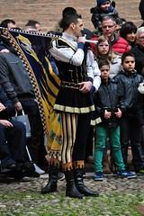 Bravo ragazzo (mikael_on_flickr) Tags: guy bravo uniform ferrara mec ragazzo bravissimo threelegs bandiera bello castelloestense sangiacomo divisa bravoragazzo inuniform belragazzo sbandieratore indivisa borgosangiacomo tregambe