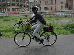 IMG_0713 (Planetgordon.com) Tags: bike manhattanbridge bikelane biketoworkday streetsblog