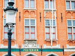 post office (ekelly80) Tags: lamp square belgium market brugge postoffice bruges grotemarkt marketsquare may2013 posteruen