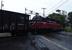 2007 rolling through Mill street crossing (Jamie 17) Tags: ri railroad train photography photo flickr rail rhodeisland rainy transportation railroads pw flickrphoto pr3 flickraward providenceandworcester providenceworcesterrailroad mygearandme