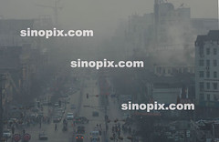 SINOPIX PHOTO (sinopixphotoagency) Tags: china road plant dusty misty centre center pollution powerplant shanxi citycenter powerstation citycentre township globalwarming airpollution pollute greenhouseeffect chn pollutes linfen greenhousegases pollutedcity mostpollutedcity greenhouseeffec