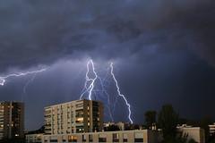 Orage Marseille le 06-10-13_002 (aups83) Tags: longexposure nightphotography rain clouds marseille nikon pluie lightning nuages marseilles d90 foudre poselongue photographienuit