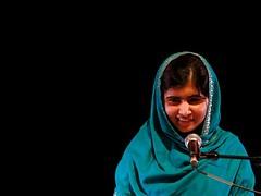 جایزه ساخاروف سال ۲۰۱۳ به ملاله یوسف زی اهدا شد جایزه «ساخاروف سال ۲۰۱۳ برای آزادی اندیشه» به ملاله یوسف زی تعلق گرفت. ملاله یوسف زی، دختر ۱۶ ساله پاکستانی، در منطقه «سوات » پاکستان برای حق تحصیل زنان مبارزه می کرد. وی از ۱۱ سالگی در وبلاگی به نوشتن مطالب