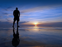 Dreams of Infinity - EXPLORED! Thank You :-) (Fotomondeo) Tags: morning sea sky españa sun sol mañana beach valencia silhouette clouds sunrise reflections contraluz mar spain playa alicante amanecer cielo nubes silueta reflejos lx7 playadesanjuan lumixlx7 panasoniclumixlx7