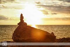 CalM (Paco Jareo Zafra) Tags: summer luz sol canon relax atardecer rocks stones paz cielo rayo paco montaa mallorca palma naranja zafra piedras montn relajacion 2013 jareo pacosrulz