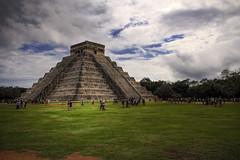 (Alberto Quiñones) Tags: méxico mexico pyramid yucatan chichenitza yucatán castillo hdr chichénitzá piramide elcastillo kukulkan kukulkán xichen pirámidedekukulkán xichén