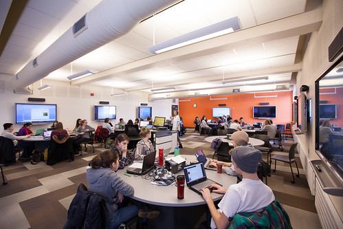 Active Learning Space 333 by queensu, on Flickr